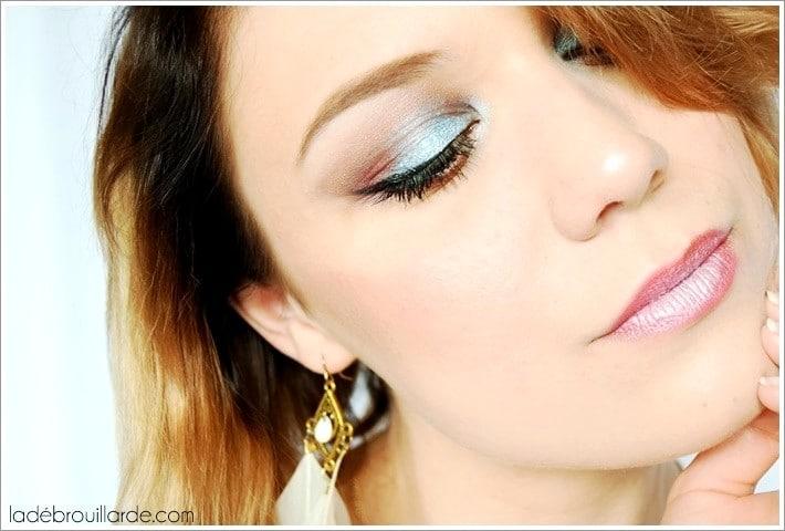 Maquillage été coloré bleu turquoise