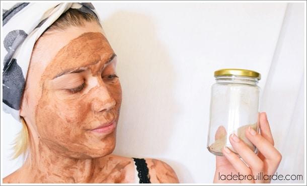 se laver le visage au rhassoul
