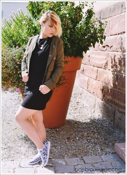 robe noire basket idée tenue tous les jours