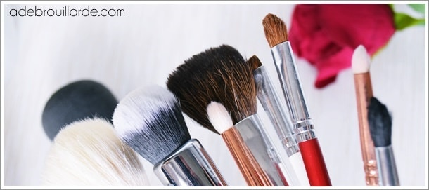 Quand et comment nettoyer ses pinceaux à maquillage