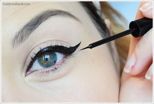 bien appliquer son eye liner