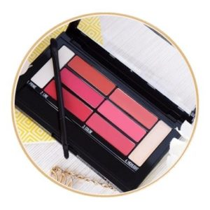 La palette Color Drama Lip Contour de Maybelline – Les ombres Lips finger in the nose
