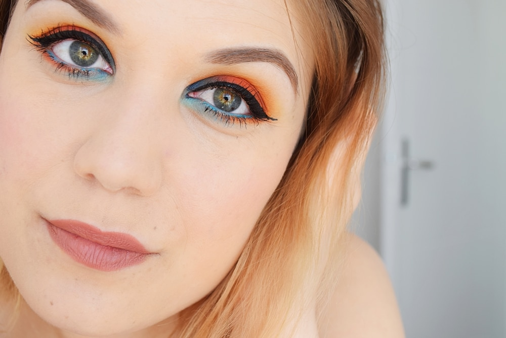 tutoriel maquillage bleu et orange