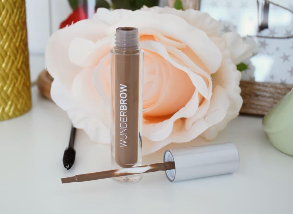 maquillage sourcils parfait waterproof
