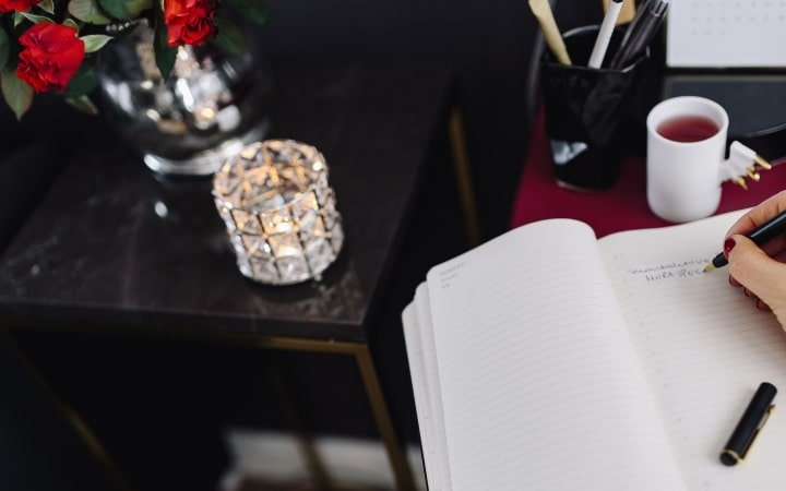 ma liste de 50 choses faire quand il pleut ou qu 39 on s 39 ennuie. Black Bedroom Furniture Sets. Home Design Ideas