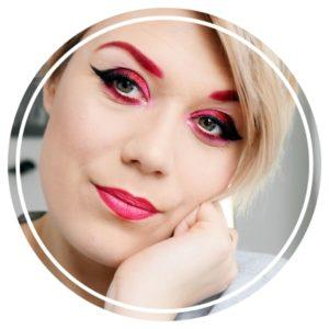 eyeliner lipstick