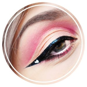 tutoriel maquillage eye liner coeur