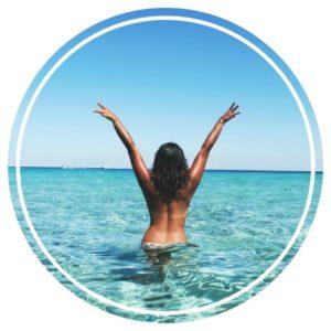 Mes 7 conseils pour aller à la plage ou se baigner en solo sans se faire piquer ses affaires