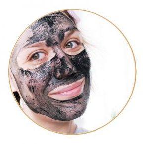 Masque detox au charbon